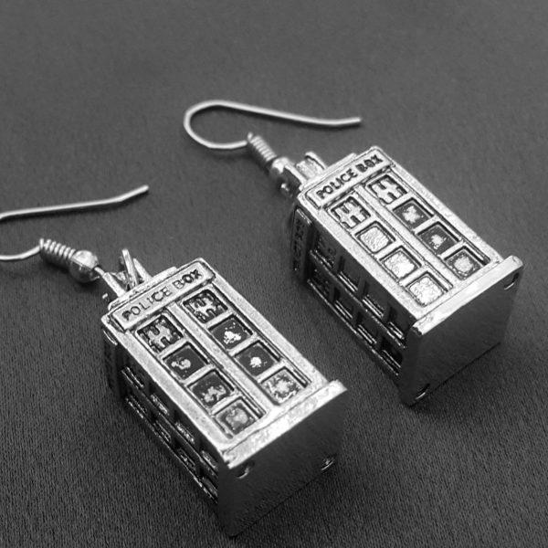 tardis-earrings-2.jpg